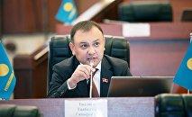 ЖК депутаты Таабалды Тиллаев. Архив