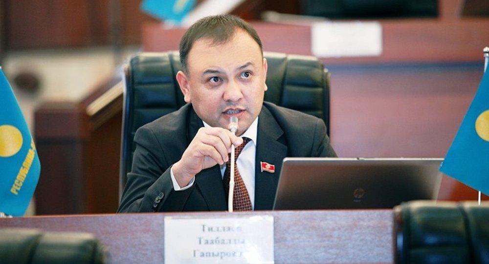 Архивное фото депутата Таабалды Тиллаева