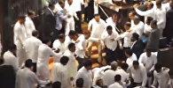 Депутаты сошлись врукопашную в парламенте Шри-Ланки — видео массовой драки