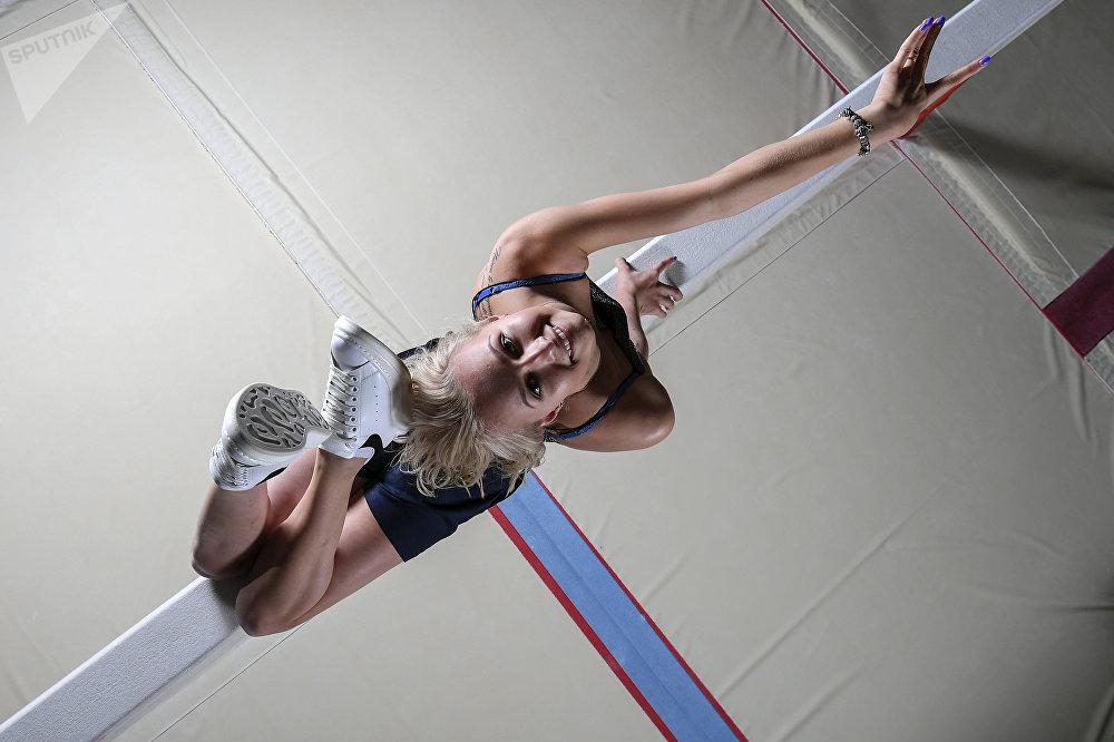 Россиялык гимнаст Дарья Спиридонова Москва облусундагы машыгуу борборунда
