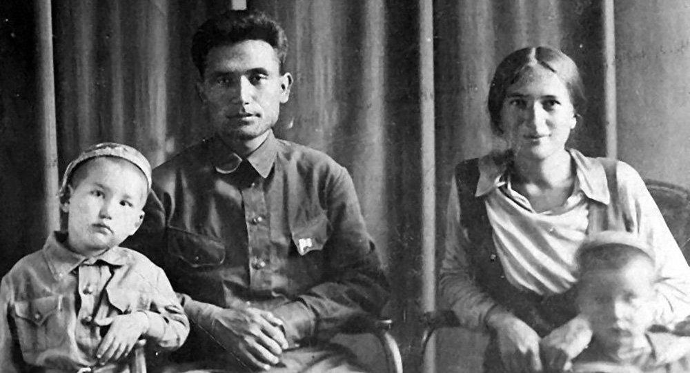 Торокул и Нагима Айтматовы. Архивное фото