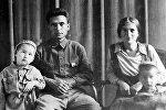 Төрөкул Айтматов жана Нагима Айтматова. Архив