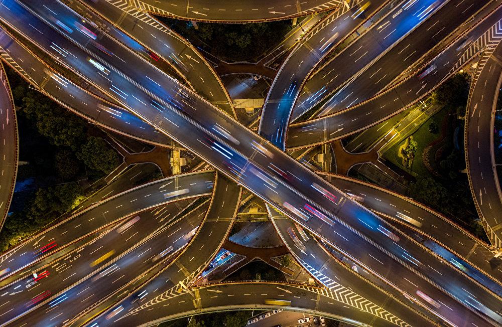 Шанхайдагы төрт кошкон жолдун асмандан көрүнүшү