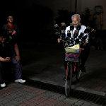 70 летний тайванец Чэнь Сан-Юань, известный как Покемон дедушка