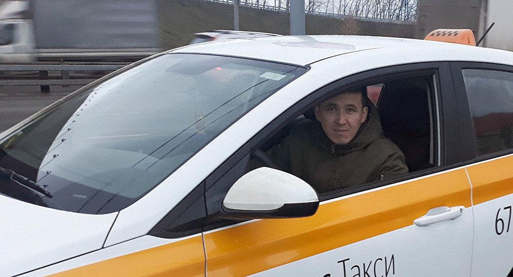 Таксист из Кыргызстана работающий в Москве Кайрат Тентимишев