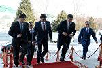Президент Сооронбай Жээнбеков бүгүн, 20-ноябрда, Жогорку Кеңештин экс-төрагалары жана экс-премьер-министрлер менен жолукту