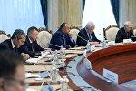 Экс-премьер-министры КР на встрече с президентом Кыргызстана Сооронбаем Жээнбековым