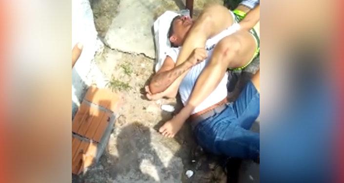 Не на ту напал — вор попытался ограбить бразильянку, но очень пожалел. Видео