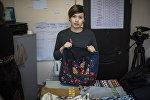 Сотрудница швейного цеха онкобольных женщин в Бишкеке