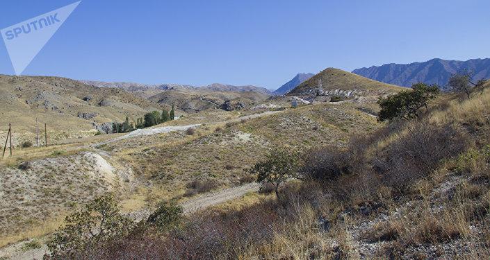 Жалал-Абад облусунун Аксы районундагы Ак-Моло кени