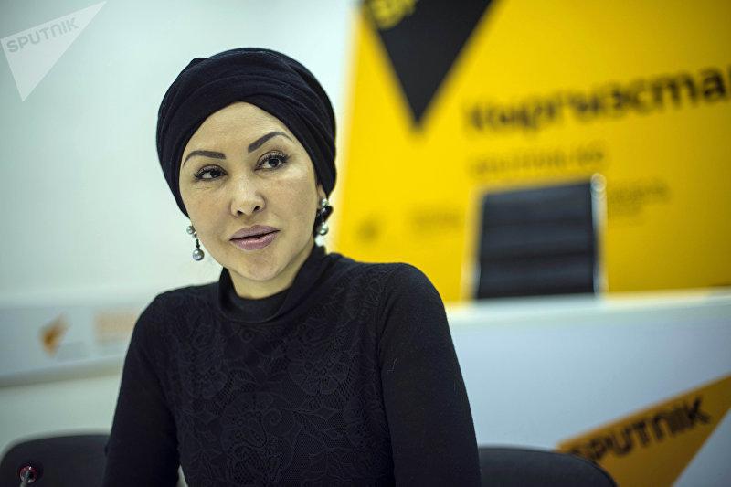 Вице-президент федерации художественной гимнастики КР Назира Айдарова во время беседы