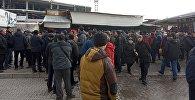 Бишкектеги Ош базарында соода кылгандар митингге чыкты