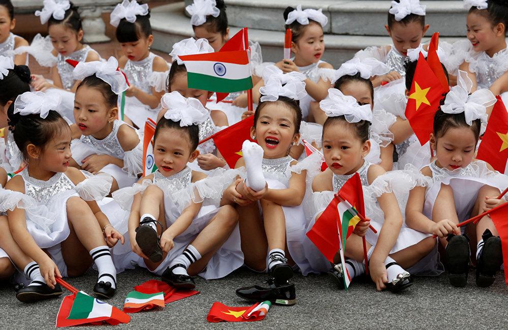 Церемония приветствия президента Индии Рама Натха Ковинда в Ханое