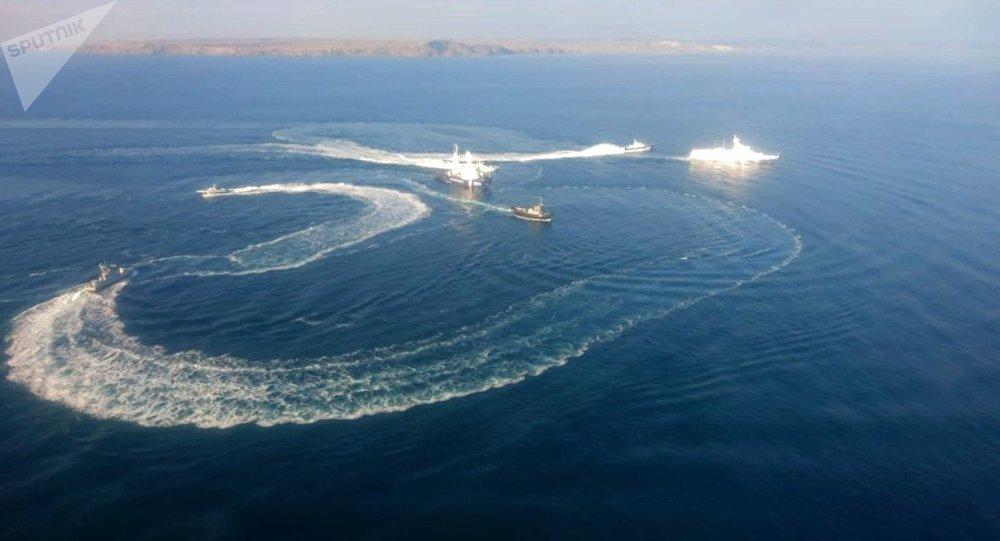 РФзаблокировала движение гражданских судов вАзовском море,