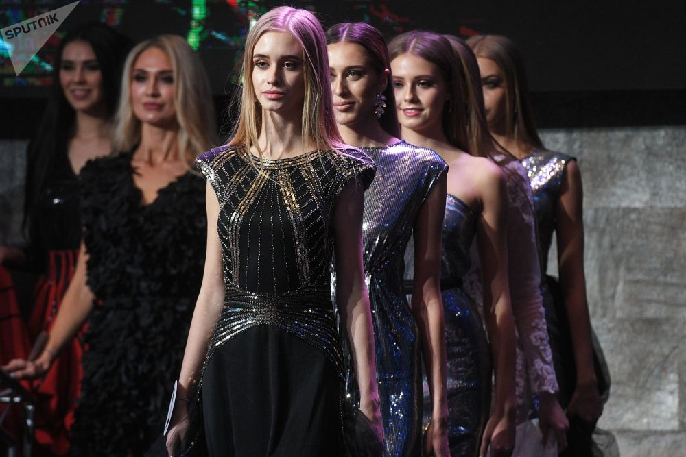 Организаторы провели сразу два конкурса, выбрав не только главную топ-модель России, но и лучшую топ-модель Plus