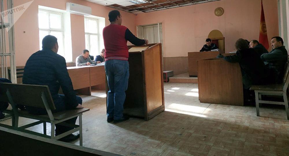 Суд по делу милиционера, обвиняемый в совершении ДТП с участием дочери Орзубека Назарова