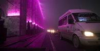 Бишкекте жолдо бараткан маршрутка. Архивдик сүрөт