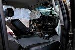 Разбитый в ДТП автомобиль. Архивное фото