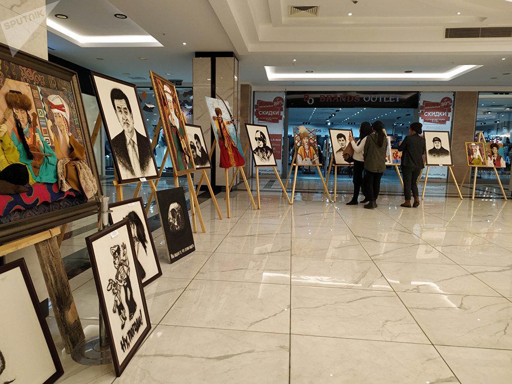 Автор картин из волос рассказал, что его творчеством заинтересовались после публикации видеоматериала на сайте Sputnik Кыргызстан