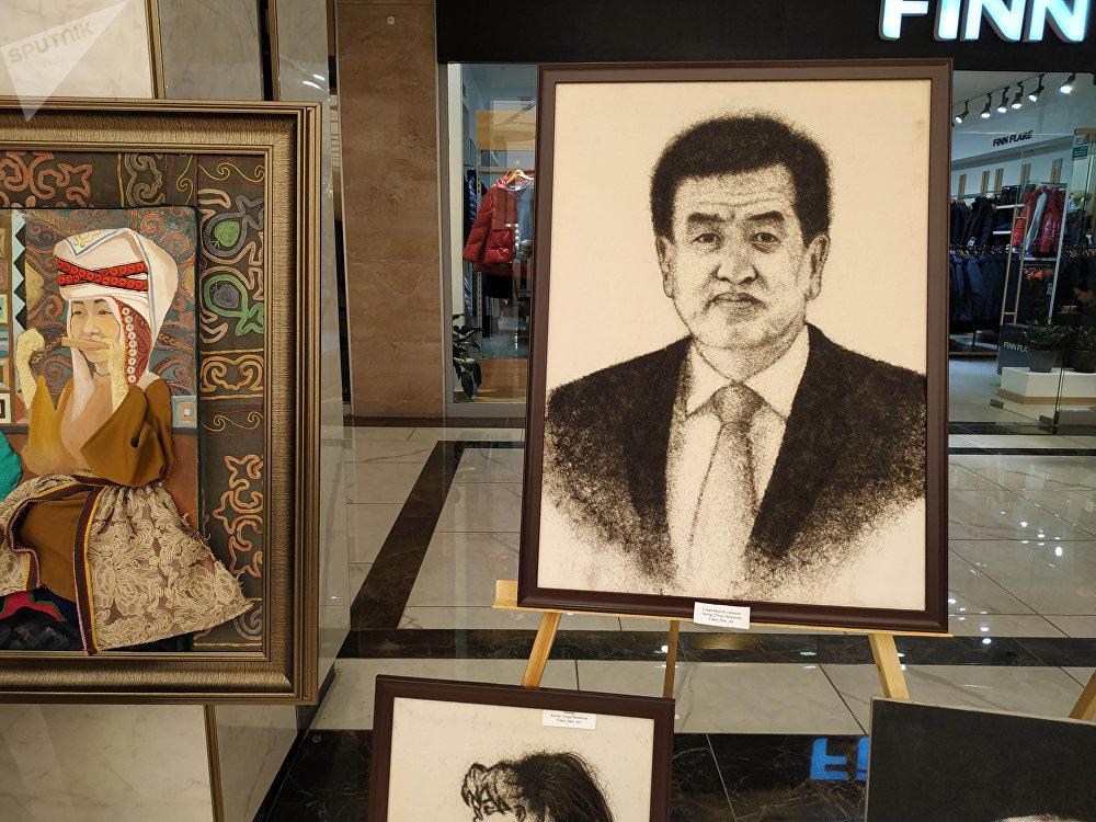 Для создания портрета Сооронбая Жээнбекова шириной 60 сантиметров и длиной 80 автору понадобились почти сутки
