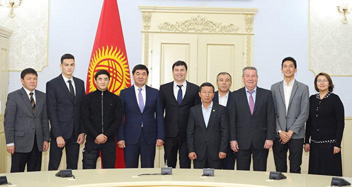 Встреча Абылгазиева с спортсменами, отличившимися на Летних юношеских Олимпийских играх 2018