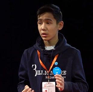Как живет единственный подросток с открытым ВИЧ-статусом — видео из Казахстана
