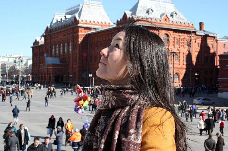 Акын Нарсулуу Гургубаева в Москве