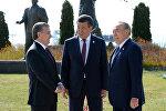 Президент РУз Шавкат Мирзиёев, президент Казахстана Нурсултан Назарбаев и президент Кыргызстана Сооронбай Жээнбеков. Архивное фото