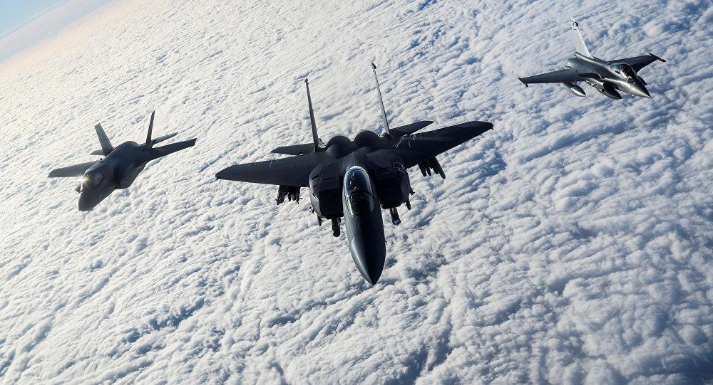 Истребители военно-воздушных сил США. Архивное фото