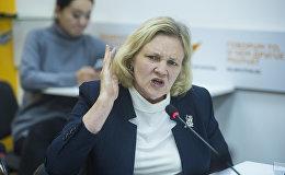 Председатель правления Института политики развития Надежда Добрецова во время круглого стола в пресс-центре Sputnik Кыргызстан