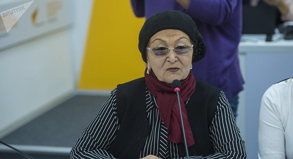 Сезим кризистик борборунун жетекчиси Бүбүсара Рыскулова. Архив