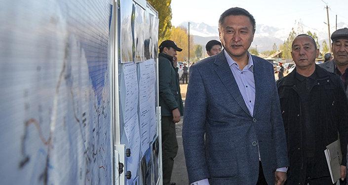 Пара менен кармалган транспорт жана жолдор министринин орун басары Азимкан Жусубалиев