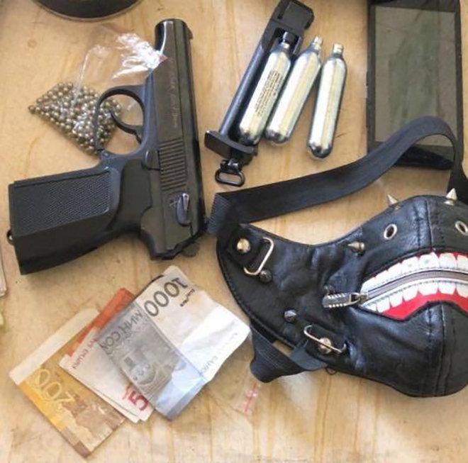 Неизвестные совершили разбойное нападение на аптеку в Бишкеке