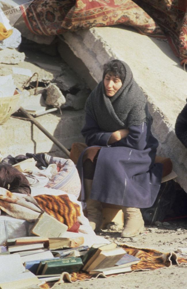 На основании закона О праздниках и памятных днях Республики Армения, принятого 24 июля 2001 года, 7 декабря в стране отмечается как День памяти жертв землетрясения