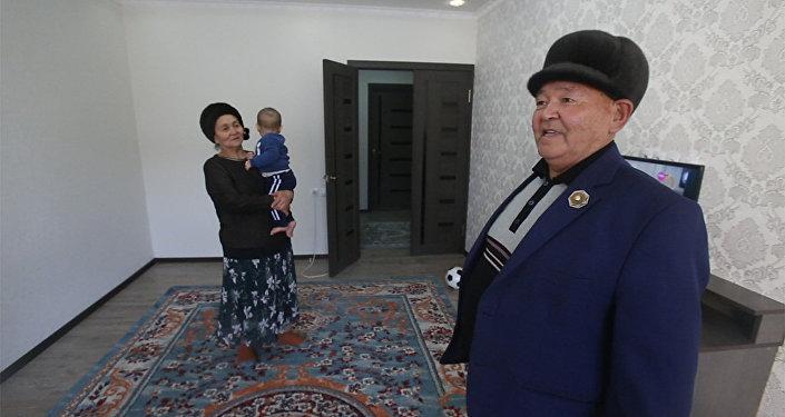Кыргызстанцу выдали 1 млн после увольнения — как он этого добился. Видео