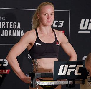 Валентина Шевченко весит меньше соперницы. Видео с церемонии взвешивания