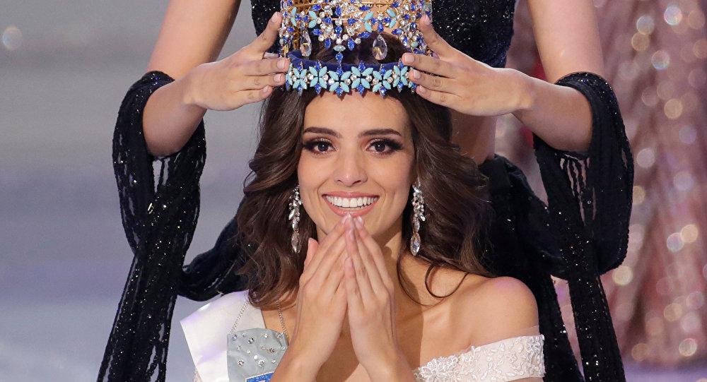 Победительница конкурса красоты Мисс мира — 2018, представительница Мексики Ванесса Понс де Леон во время вручения короны