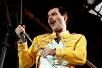 Queen группасынын ырчысы Фредди Меркьюри. Архивдик сүрөт