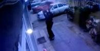 Прохожие поймали девочку, упавшую с 5-го этажа. Момент попал на видео