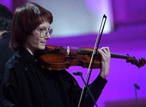 Данила Бессонов (скрипка) выступает на закрытии Международного телевизионного конкурса юных музыкантов Щелкунчик. Архивное фото