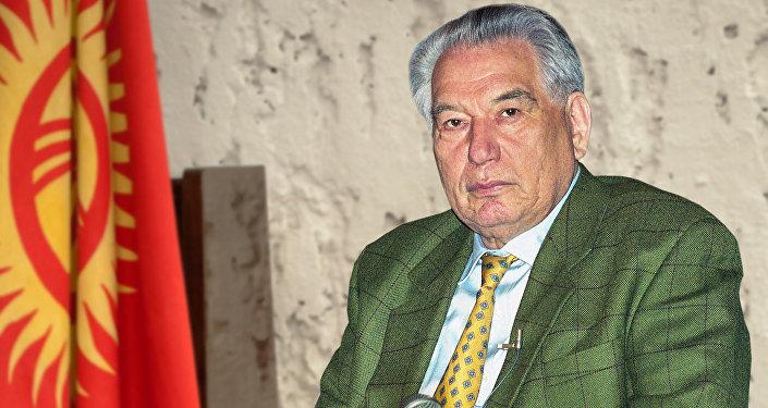 Писатель Чингиз Айтматов. Архивное фото