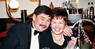 Экс-глава президентской администрации Медет Садыркулов с женой Айнагуль Токтогуловной. Архивное фото
