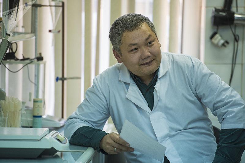 Инспектор-криминалист отдела криминалистического сопровождения и оперативного анализа МВД КР Алмаз Деркембаев