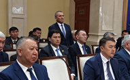 Видео — как Жээнбеков отчитывал министра Калилова на заседании Совбеза