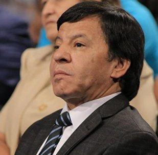 Заслуженный артист Узбекистана, резидент юмористической передачи Кривое зеркало Обид Асомов