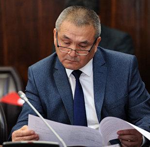 Архивное фото министра транспорта и дорог Жамшитбека Калилова