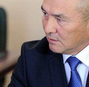 Министр транспорта и дорог КР Жамшитбек Калилов