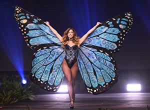 Представительница Коста-Рики во время показа национальных костюмов на конкурсе красоты Мисс Вселенная — 2018 в Бангкоке