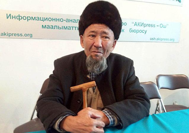 Баткен облусунун прокурору Анарбай Мамажакыпов тууганы Абдылда Темирбердиев. Архивдик сүрөт