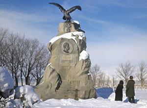 Памятник Николаю Пржевальскому в Караколе. Архивное фото
